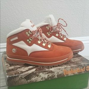 RE-POSH timberland boots with box. Size 5.5